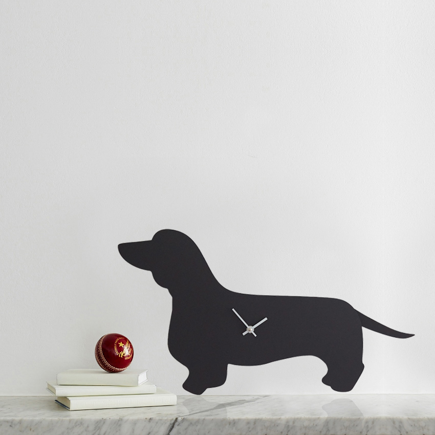 Black dachshund clock with wagging tail